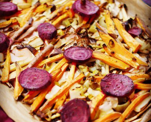 Rote Beete, Pastinaken, Süßkartoffeln, Lauch, rote Zwiebeln